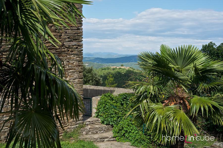 Klasická Provence, příroda se zde výrazněji neupravuje. I tak je krásná.