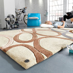 Zvolíte-li koberec s výraznými vzory, pak jim nechte vyniknout.