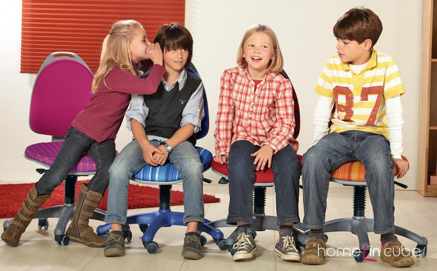 Kvalitní pracovní židli by měly mít děti od nejútlejšího věku.