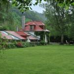 K obydlí patří velkorysá zahrada.