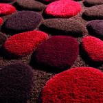 Plastický koberec je o něco náročnější na údržbu, ale není třeba se toho obávat.