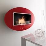 V moderním interiéru se červený nástěnný bio krb pěkně vyjímá