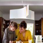 Na stůl jsou ideální svítidla, u kterých můžeme aktuálně nastavit délku závěsu.