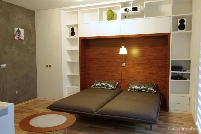 Polyfunkční prostor slouží i jako ložnice.