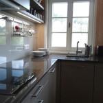 Přestože je kuchyň v podstatě víkendová, poskytuje vybavením vše potřebné.