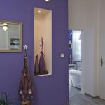 Dekorace se prolínají celým bytem. Jak jinak u pražského mága dekorujícího interiéry.