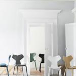 Nadčasová jídelní židle Grand Prix, design Fritz Hansen, Arne Jacobsen