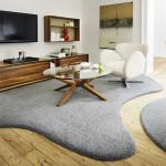 Kobercem v nepravidelném tvaru lze oddělit různé funkce místnosti