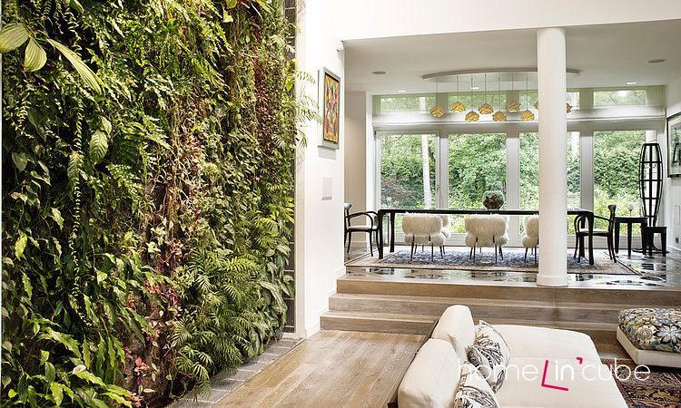 Ve velkých prostorách můžeme zvolit živé květiny přes celou stěnu.