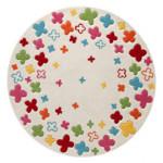 Kusový koberec s barevnými kytičkami zpestří dívčí pokoj