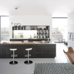 Kuchyně Tocco je součástí obytného prostoru. Provozně je od něj oddělena velkým pracovním ostrůvkem s vestavěnými spotřebiči.