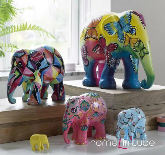 Dřevěná dekorace ve tvaru slonů typu 15_rikki, různých velikostí s ručním pomalováním.