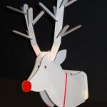 Dekorace ve tvaru hlavy jelena typu14_rikki_2 je vyrobena z papíru