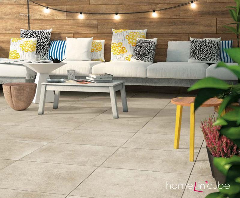 Slinutá rektifikovaná dlažba Officine (Miragea), která lze pokládat jen tak do písku, na terče nebo lepit. Rozměr 60 x 60 cm, Kozak bath & interior.
