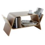 Více funkcí znamená více zábavy. Dobrým příkladem je stolička, která poslouží také jako malá knihovna a po rozložení jsou z ní dva stolky do postele. Embrace, vyrábí John Green.
