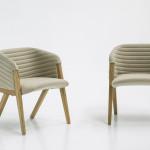 Kovové konstrukce nábytku nahradily ty dřevěné. Nejlépe v kombinaci s čalouněním z přírodního materiálu.