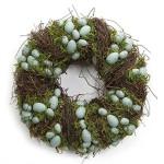 Jarní věnec z větviček ozdobený vajíčky a mechem. Průměr 38 cm, cena 1 390 Kč, Amazon.