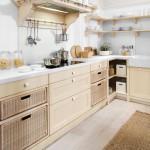 Jako úložný prvek může sloužit i nábytkový díl pro ukrytí digestoře. Kuchyně Miancciollo, Italský nábytek.