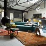 V bytech industriálního charakteru lze kombinovat různé styly zařizovacích předmětů i nábytku, prostor se stane útulnějším.