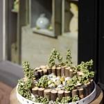 Ozdoba na stůl z dřevěných špalíků, průměr 30 cm, cena 313 Kč, Flortrend.