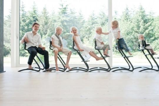 Židle Cherry roste s dětmi. Je možno ji používat pro děti od 6 měsíců až do školního věku. Vyhoví požadavkům provozu pružnou konstrukcí i povrchovou úpravou.