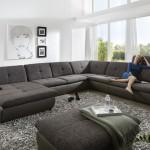 Častokrát bývají součástí sezení stavitelné podhlavníky. Sestava Amber 231, prodává Moderní nábytek.