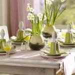 Zelená barva je barva probouzející se přírody. Jejím použitím na sváteční stůl nabijeme domácnost energií.