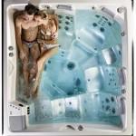 Pohodlná a dokonale vytvarovaná vana skýtá dokonalou relaxaci i pro více uživatelů.