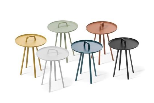 Se stolky se snadno manipuluje. Vhodně je jejich použití pro operativní řešení stolování.