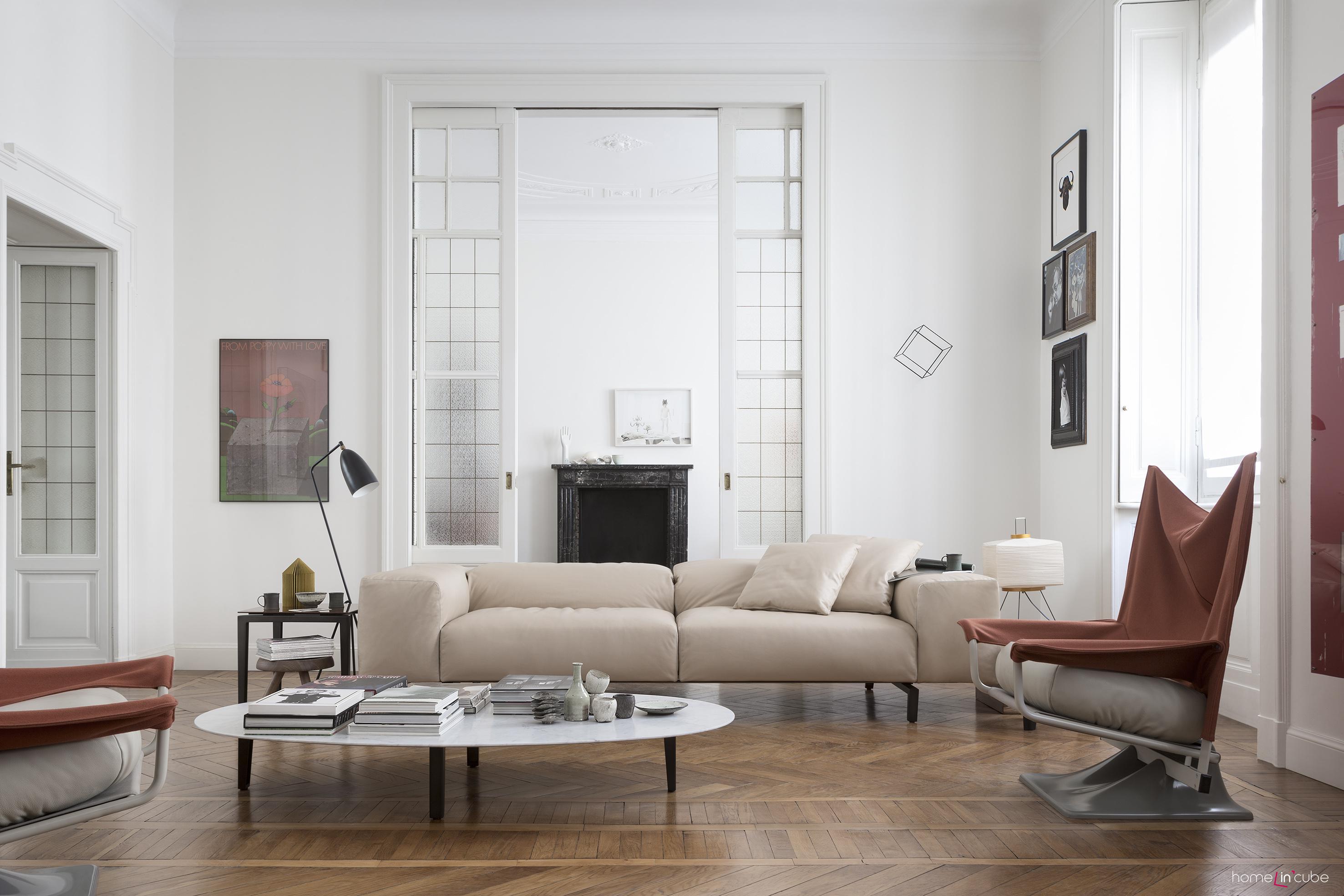 Sedací souprava Scighera (design Piero Lissoni), Cassina. Jednoduchý kubický tvar pohovky lze kombinovat v interiéru s nábytkem jiných tvarů a odlišného výrazu.