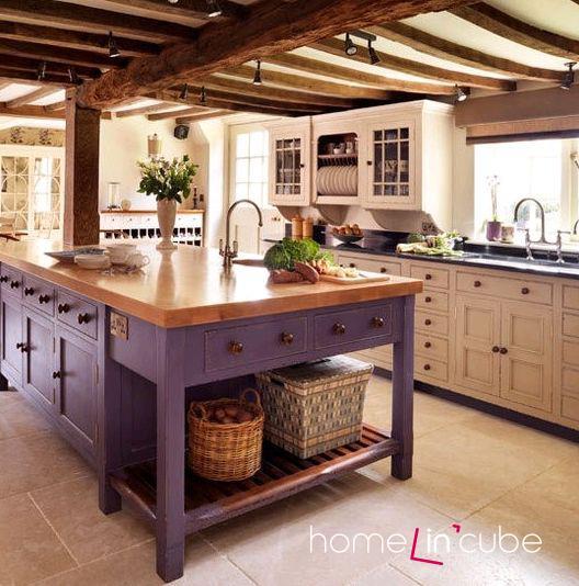Lila je v Provence kuchyních oblíbená. Připomíná levandulová pole.