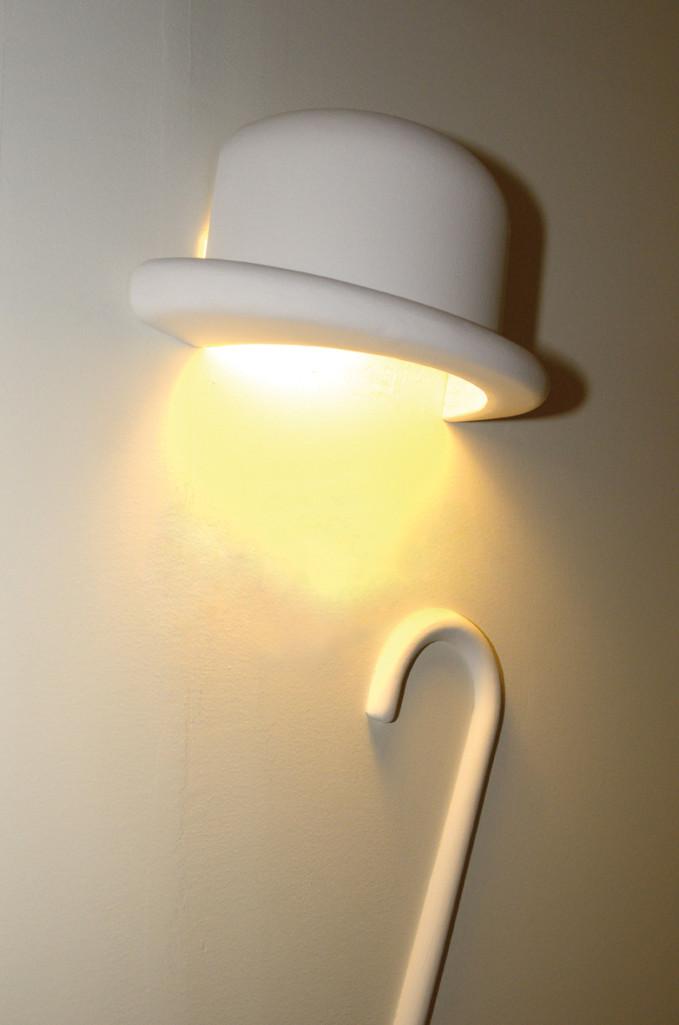 Nástěnná lampa Charles splývající barevně se zdí. fdc5c77b3d
