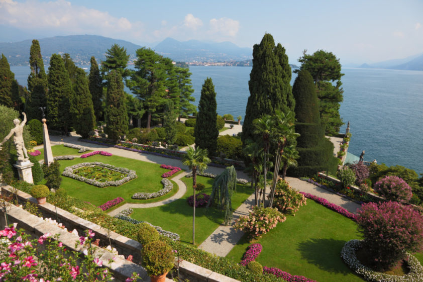 Barokní zahrady paláce Borromea najdete na ostrovu Bella na jezeře Maggiore.
