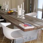 Dřevěnou desku stolu kombinujte s podnoží z jiného materiálu. Tím docílíte vyváženosti.