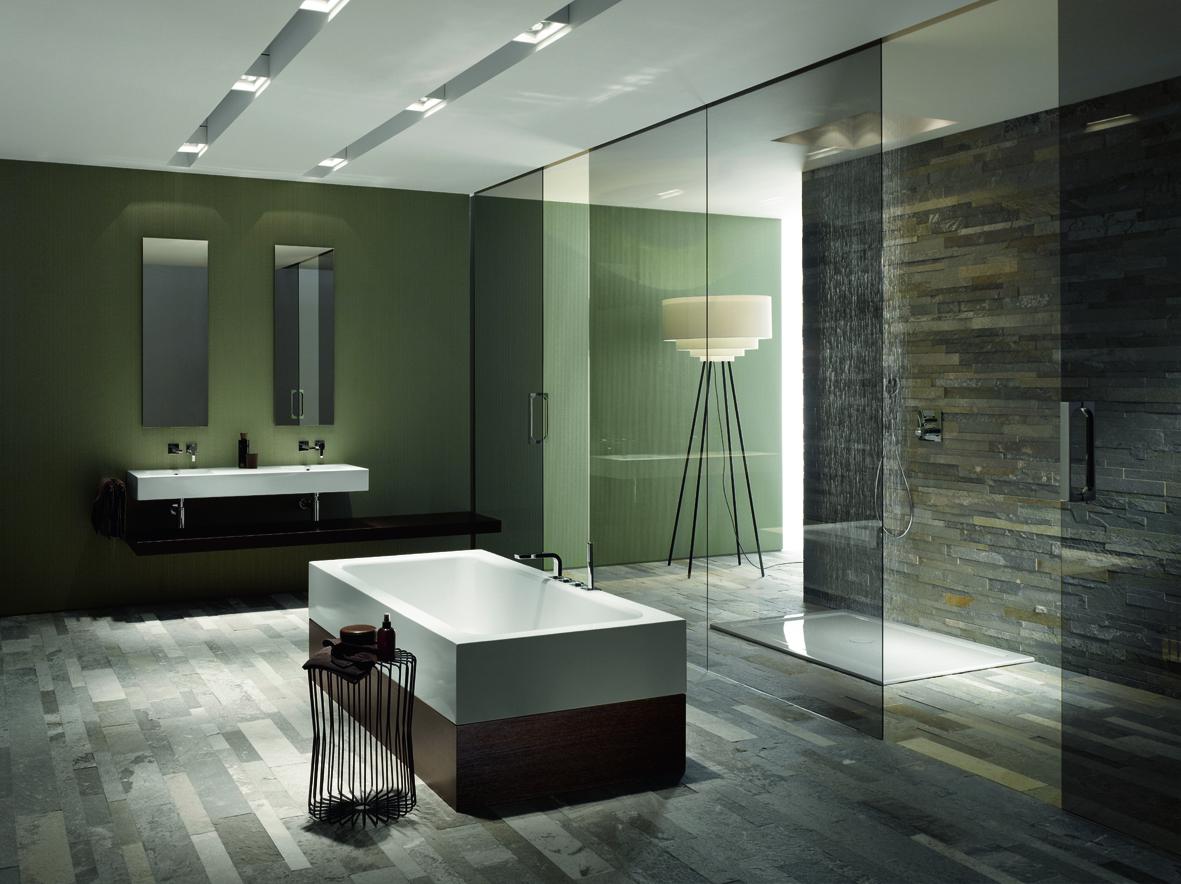 Rozměr sprchového koutu walk in je limitován jen rozměrem místnosti. Sprchová vanička BetteOne.