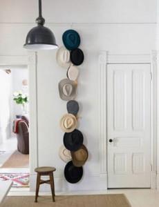 Zbyly vám klobouky? Honem s nimi na zeď.