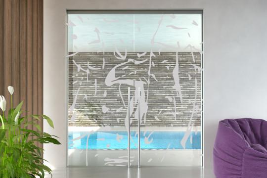 Skleněné dveře s pískovanými motivy, posuvné do stavebního pouzdra.