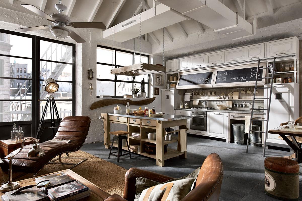 V interiéru ve vintage stylu jednoznačně nechte vyniknout krovu.