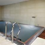 V blízkosti bazénu nechybí sauna a fitness.