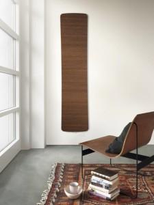Runtal folio corner vyniká svou opticky štíhlou a lehkou konstrukcí a vysokým podílem příjemného sálavého tepla. Vyrábí se v různých velikostech a povrchových úpravách včetně dřevěné.