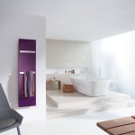 Podle výšky doplňují decentní eleganci nového radiátoru Zehnder Vitalo Bar jeden nebo dva chromované držáky ručníků, přístupné z levé strany pro zvláště pohodlné zavěšení koupelnových textilií.