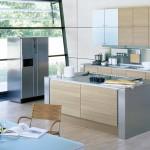 Působí pěkně když k nerezovým spotřebičům zkombinujeme kuchyňskou pracovní desku.