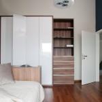 Nábytek v dětských pokojích je vyroben na míru prostoru.
