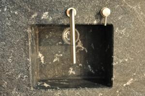 Dřez vyrobený ze žuly se zaobleným vnitřním prostorem, Granit Holec