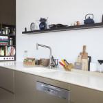 Kuchyňská pracovní deska se dřezem vyrobené z corianu, Le Bon.