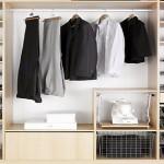 Přemýšlejte jaké oblečení budete ve skříni ukládat.