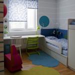 Rolety jsou v dětském pokoji kombinovány se žaluziemi. Docíleno tak bylo stoprocentního zastínění.