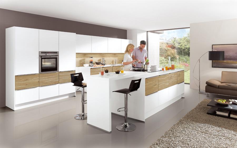 Výška kuchyňské pracovní desky se určuje podle výšky uživatelů.