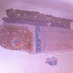 Při rekonstrukci bytu byly pod bílým nátěrem nalezeny původní malby