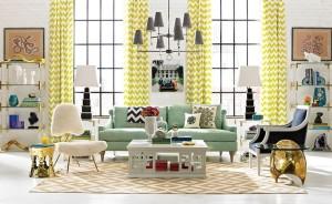 Barvu závěsů slaďte s čalouněním nábytku a ostatními dekoracemi v pokoji.